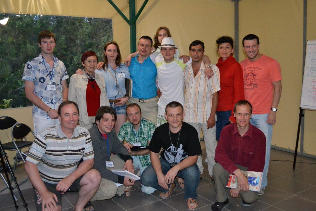 Живой 2 недельный тренинг в Севастополе. На фото с участниками (учениками).
